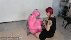 ピンク布と圧縮袋。